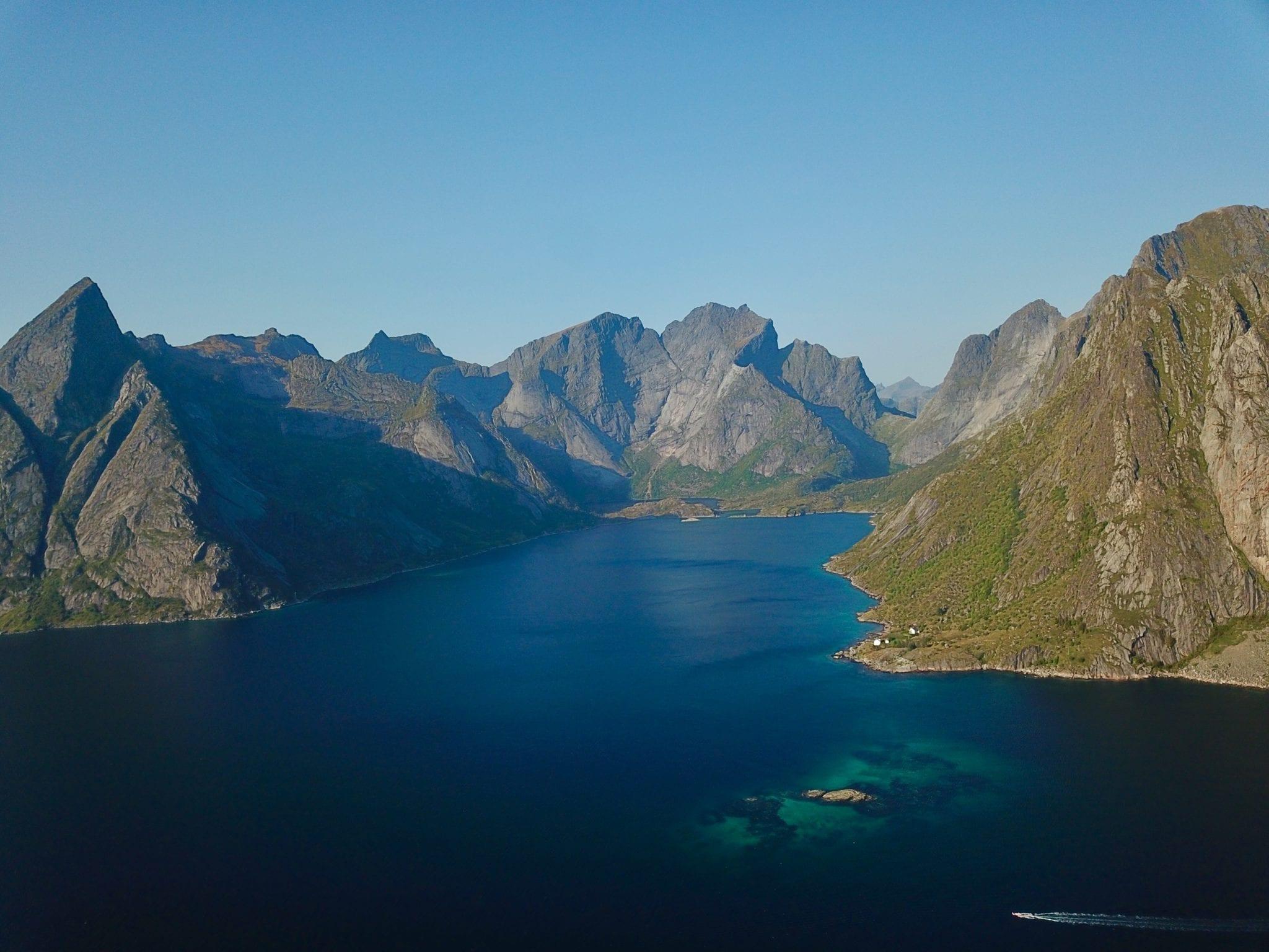 Lofoten-Lake-Panoramic-Norwa